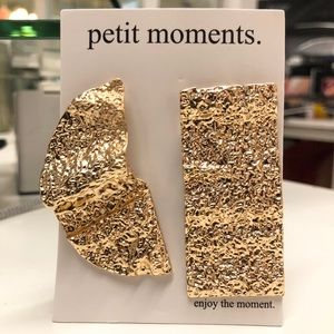 Petit Moments Gold Crinkle Earrings